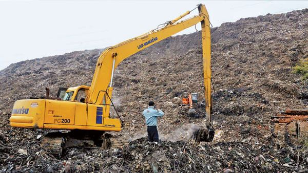Garbage mountain at Ghazipur landfill will be higher than Taj Mahal by 2020