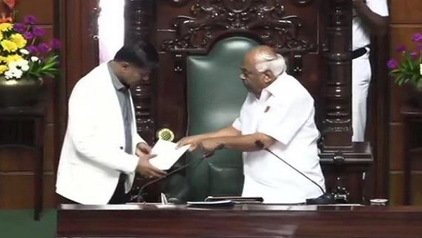 Karnataka assembly speaker KR Ramesh Kumar tenders his resignation from the post