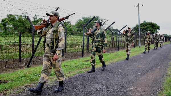 Image result for पांच बांग्लादेशियों को बीएसएफ ने किया गिरफ्तार,