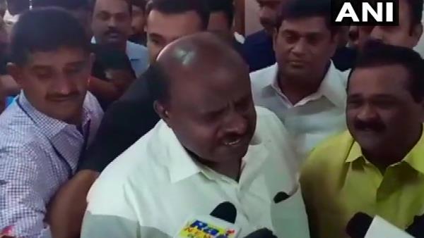 ये भी पढ़ें:कर्नाटक: कांग्रेस के बाद जेडीएस के मंत्री भी देंगे इस्तीफा, कुमारस्वामी ने अब कही ये बात