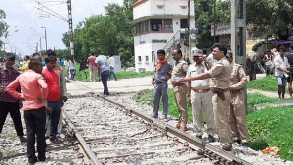 mother with her two children died at railway track