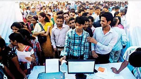 <strong>सरकार ने कहा था- वाइब्रेंट उद्योगों से गुजरात में 72 लाख रोजगार पैदा होंगे, लेकिन मिला 8 लाख लोगों को</strong>