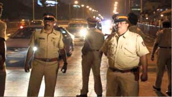 bootleggers attack on gujarat police, many constable hospitalized