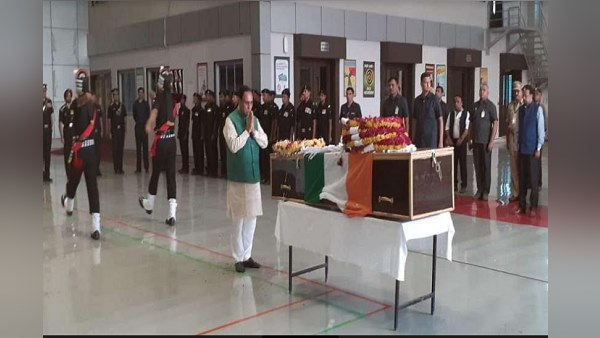 army man died in Jammu and Kashmir, Gujarat CM Rupani gave tribute him