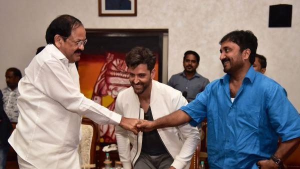 venkaiah naidu watched super 30 with family, met hrithik roshan and anand kumar