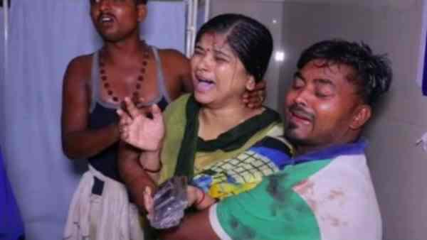ये भी पढ़ें:- कानपुर में डबल मर्डर: गुंडों ने घर में घुसकर 80 साल की महिला और नाती को मारी गोली