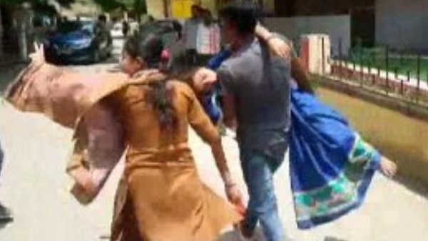 woman tries to kidnap married daughter in sitapur