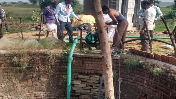 Mother with four child found dead in well at Khajurna village Mandsaur