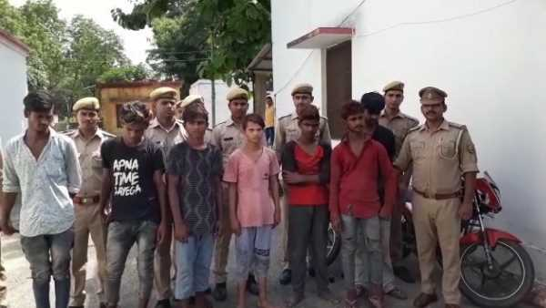 police arrested many boys for mobile and bike theft