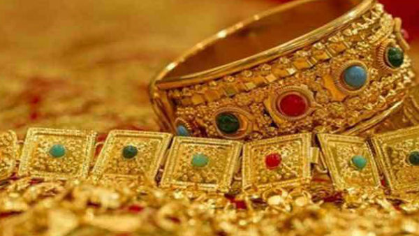 Gold Rate: Gold Price Reach on Record Level of Rs 38470, Silver rate decrease by Rs 825