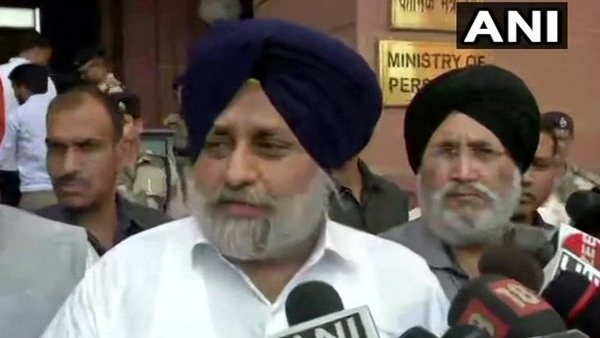SAD chief Sukhbir Singh Badal urges President not to give assent to farm bills