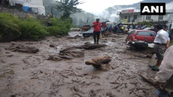 Himachal pradesh National Highway 5 has been blocked due to heavy rainfall