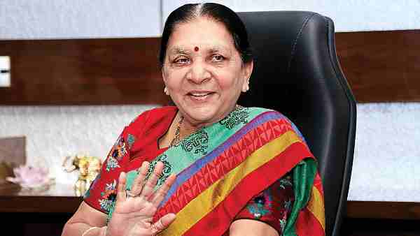 UP Governor Anandiben Patel reduce 50 security guard from VIP security