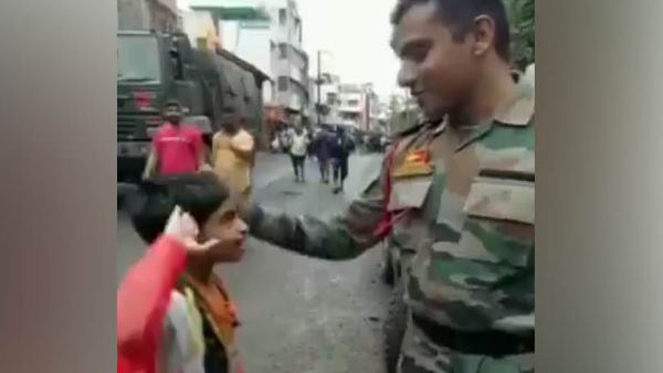 A child salutes an Army personnel and tells him aap bahut accha kaam karte ho in Maharashtra