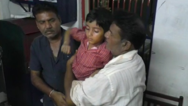 People understood the father as the child thief in Damoh