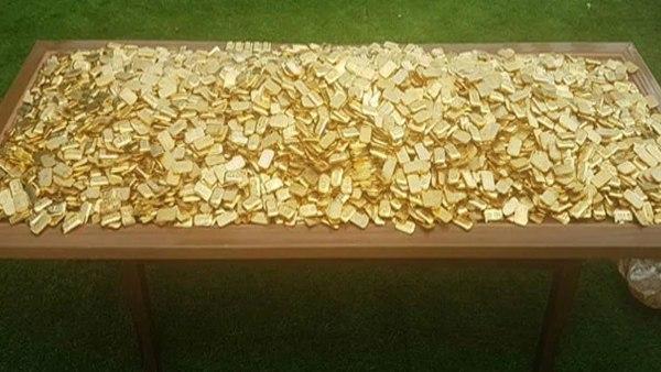 Read Also- IMA स्कैम के मास्टरमाइंड मंसूर खान के घर के स्विमिंग पूल में मिला 303 KG 'सोना'