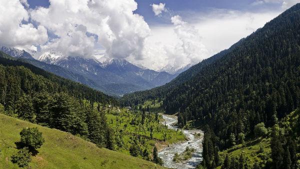 यह पढ़ें: Jammu & Kashmir: जानिए धरती के जन्नत के बारे में कुछ बेहद खास बातें