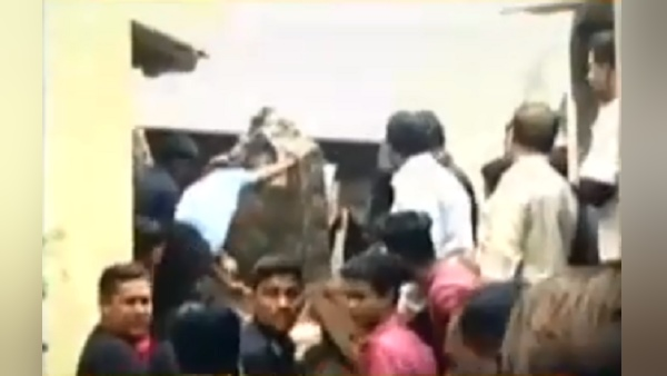 jamnagar: two floors building collapse, two death