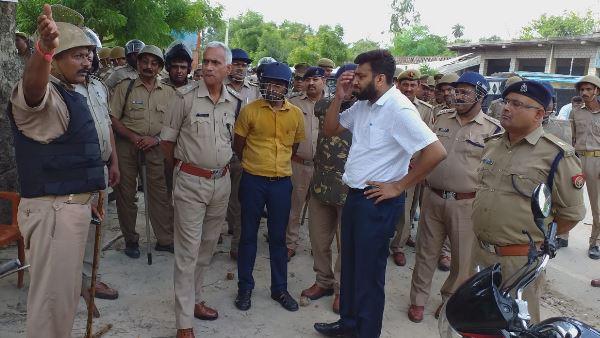<strong>ये भी पढ़ें: जौनपुर: बाग में पेड़ से लटका मिला युवक का शव, ग्रामीणों ने किया बवाल</strong>