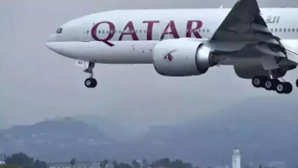 Large hole in plane's engine made the qatar airways flight for emergency landing