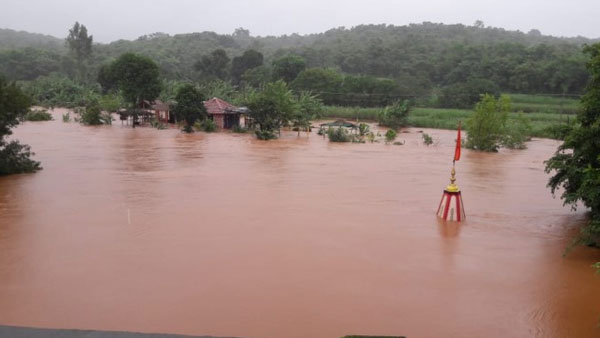 इसे भी पढ़ें- दक्षिण से लेकर पश्चिम भारत तक बाढ़ का कहर, अब तक 200 से ज्यादा लोगों की मौत