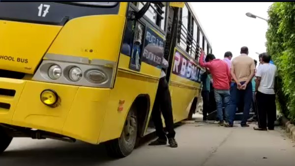 School Bus 2 tires Suddenly ran out in Bhiwari ALwar