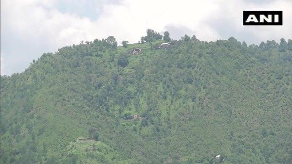 <strong>जम्मू कश्मीर: पुंछ के केजी सेक्टर में पाक ने तोड़ा सीजफायर, घुसपैठ कराने की फिराक में </strong>