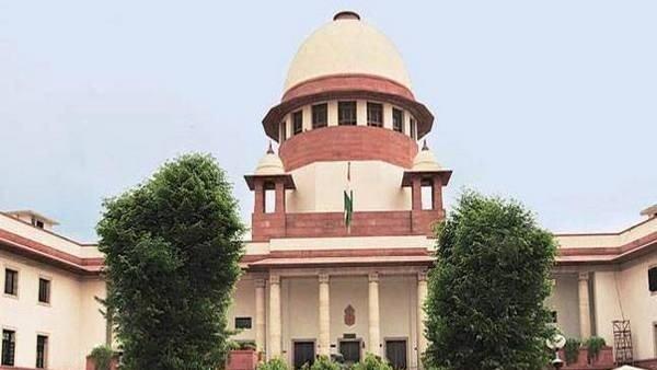 इसे भी पढ़ें- सुप्रीम कोर्ट पहुंचा Article 370 का मामला, कोर्ट ने किया जल्द सुनवाई से इनकार