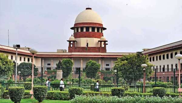 Supreme Court refused to pass an order on withdrawal of section 144 in jaamu Kashmir