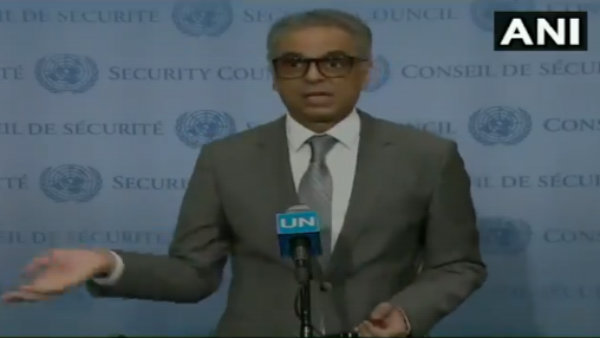 <strong>यह भी पढ़ें-Video:UNSC में पाक जर्नलिस्ट को अकबरुद्दीन ने किया 'ट्रोल'</strong>