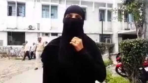 husband threatens wife to give triple talaq