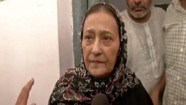 <strong>इसे भी पढ़ें- आजम खान के बचाव में उतरीं पत्नी ताजीन फातिमा, सरकार और प्रशासन पर लगाए ये आरोप</strong>