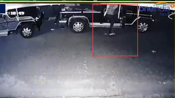 watch cctv, robber unlocked bolero car and fled away
