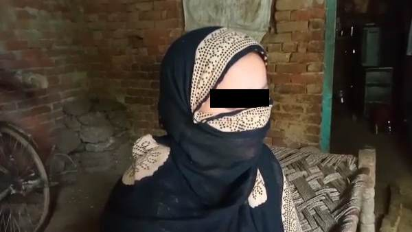 husband gave triple talaq to wife after she refuses for prostitution