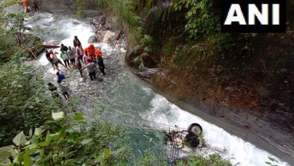 3 Dead and 1 missing After Vehicle Falls Into River in Chamoli Uttarakhand