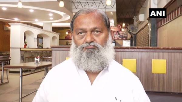 Haryana Minster Anil Vij target Congress and Robert Vadra