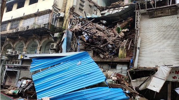mumbai: portion of four storied building collapses