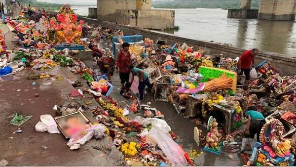 for-the-first-time-ganesha-idols-had-been-immersed-Sabarmati-river