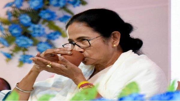 PM नरेंद्र मोदी Vs CM ममता बनर्जीः मुलाकात हुई,क्या बात हुई?