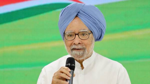 Manmohan Singh says country is in midst of protracted slowdown