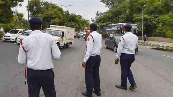 Motor Vehicles Act: After Gujarat slashes traffic fines, Karnataka likely to follow