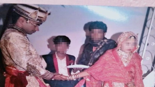 Sikar Girl found her husbands first marriage pictures and love letters