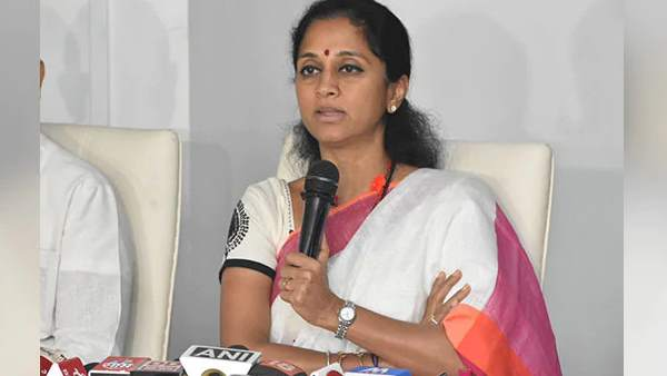 Supriya Sule harassed by a Taxi Driver at Dadar railway station in Mumbai