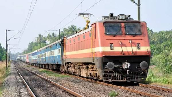 Train meal at just Rs 50! Indian Railways passengers ALERT - Good news from IRCTC coming soon