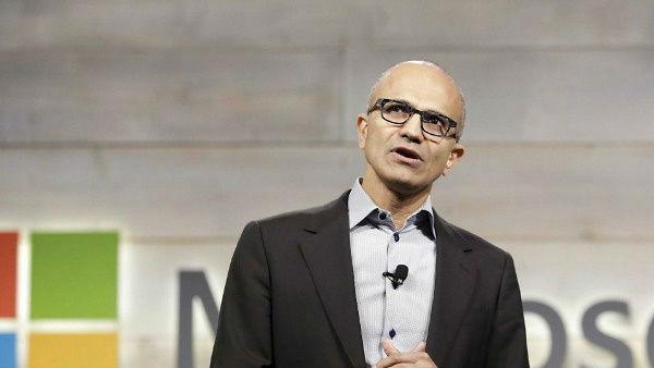 माइक्रोसॉफ्ट के CEO सत्या नडेला की सैलरी में 66% की बढ़ोतरी, मिलती है 305 करोड़ की सैलरी
