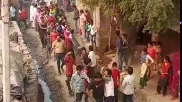 बदायूं में दलित नाबालिग को पीटा और पूरे गांव में घुमाया, वीडियो वायरल होने पर एक्शन मोड में आया प्रशासन