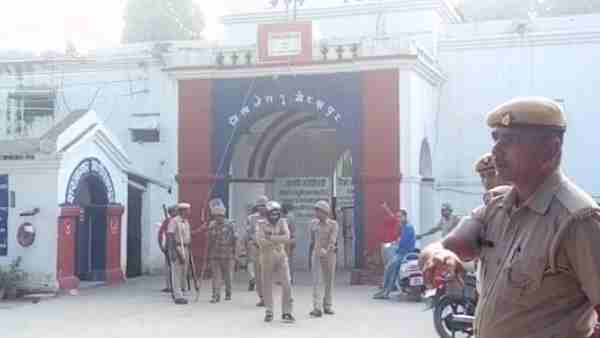 ruckus in Gorakhpur district jail by Prisoners