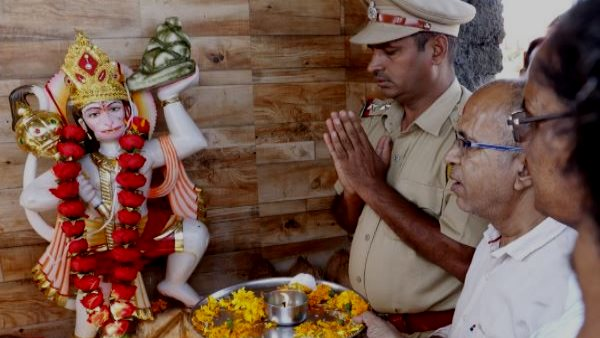 Haryana Man Build Temple in Wifes Memory in khudi Sikar Rajasthan