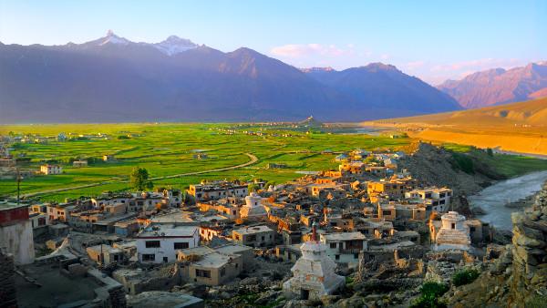 इसे भी पढ़ें- अनुच्छेद 370: केन्द्रशासित प्रदेश बने जम्मू कश्मीर में वर्षो बाद होगा परिसीमन,जानें क्या होगा लाभ