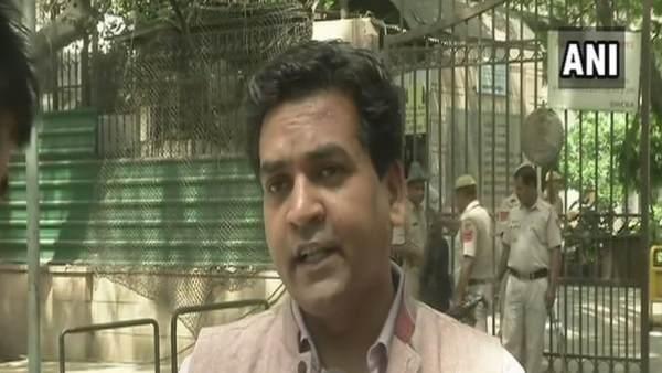 कपिल मिश्रा के खिलाफ शिकायत दर्ज, दिवाली पर किया था विवादित ट्वीट